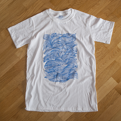 <p class=makeinvisible> White t-shirt, 100% cotton, with a silkscreen print hand-pulled with light blue water-based ink. Produced in a second limited edition of 65 t-shirts, individually numbered. Original illustration by Seriousgrafia. Hand-printed in Italy. </p> Buy<a href=http://www.reputeka.com/en/s-ink--t-shirt-artigianale_seriousgrafia target=blank>online</a> or in <a href=contact.html#negozi target=blank>conventioned stores</a>.